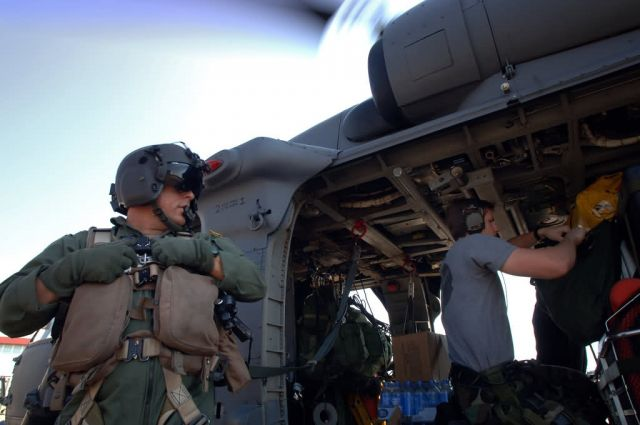 HH-60G Pave Hawk - Airmen 'pave' way for help Picture