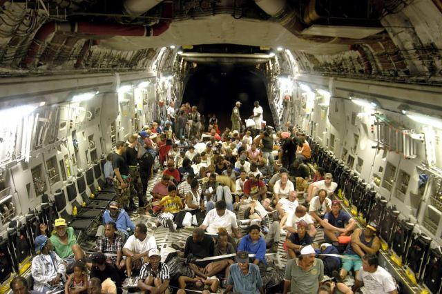 C-17 GLOBEMASTER III - Humanitarian mission Picture
