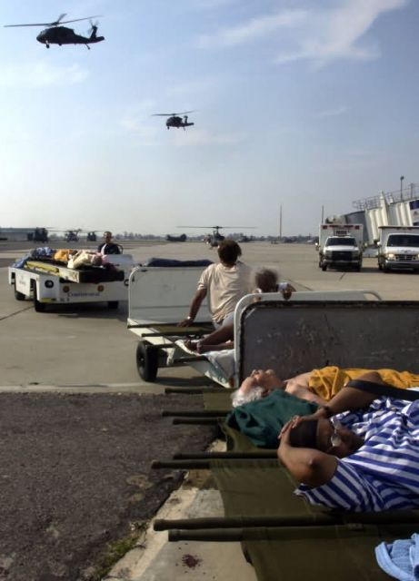 NEW ORLEANS - Air Force evacuates the sick and wounded Picture