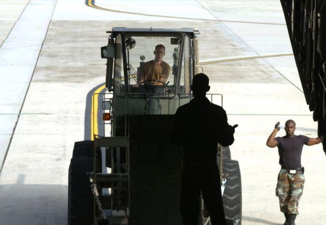 C-17 Globemaster III - AMC response groups establish airfield operations for hurricane relief Picture