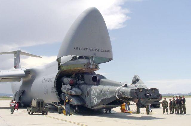 CH-53E - C-5 load Picture