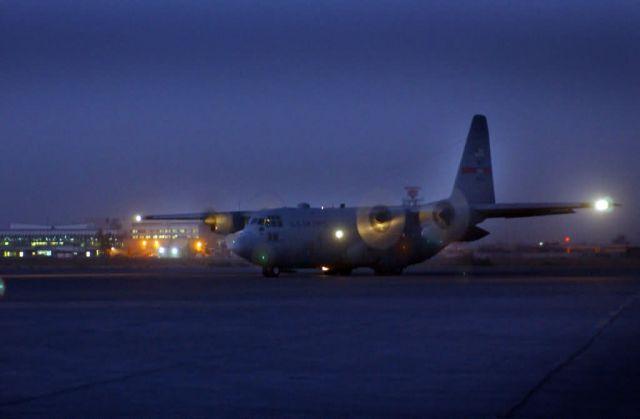 C-130 Hercules - Fuel stop Picture