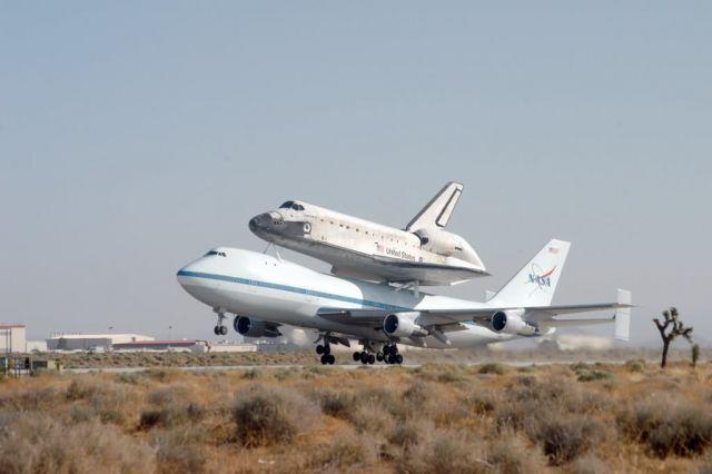 Boeing 747 - Shuttle lands, departs under Edwards watchful eye Picture
