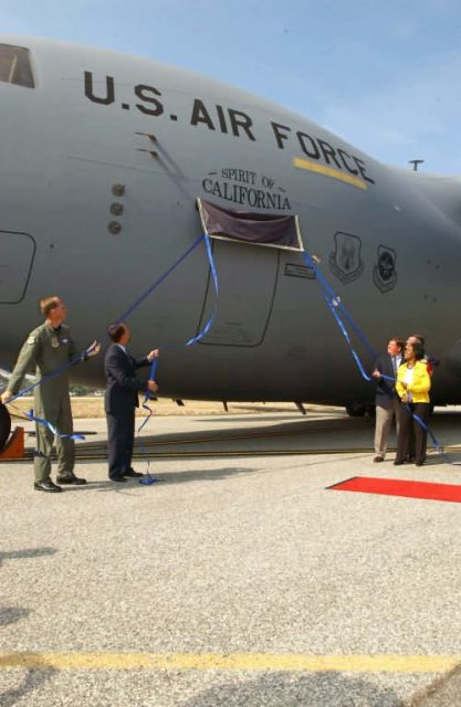 C-17 - MARCH RECIEVES AFRC'S FIRST C-17 Picture