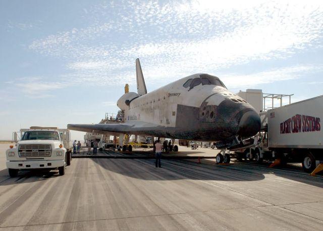 EDWARDS AIR FORCE BASE - Safe landing Picture