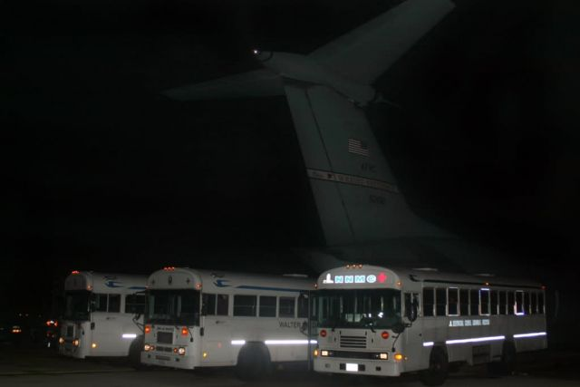C-141 Starlifter - Team effort brings America's wounded troops home Picture