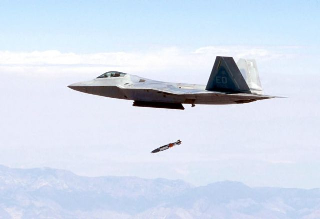 F/A-22 Raptor - Supersonic JDAM drop marks increase in Raptor capability Picture