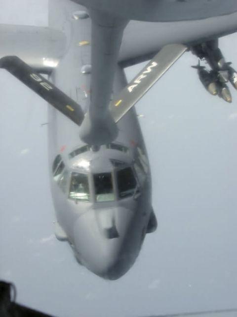 KC-135 - Airmen deliver fuel in flight Picture