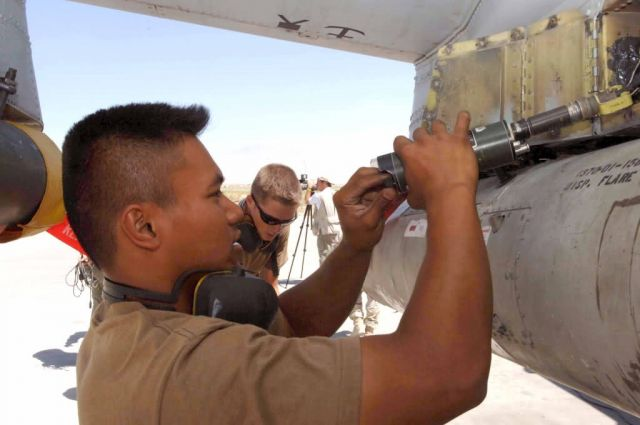 A-10 Thunderbolt II - Thunderbolt maintenance Picture