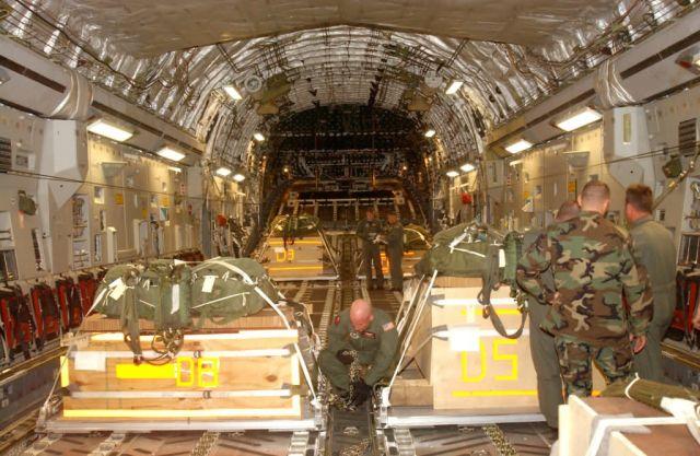C-17 Globemaster III - Altus aircrew showcases dual-row airdrop Picture