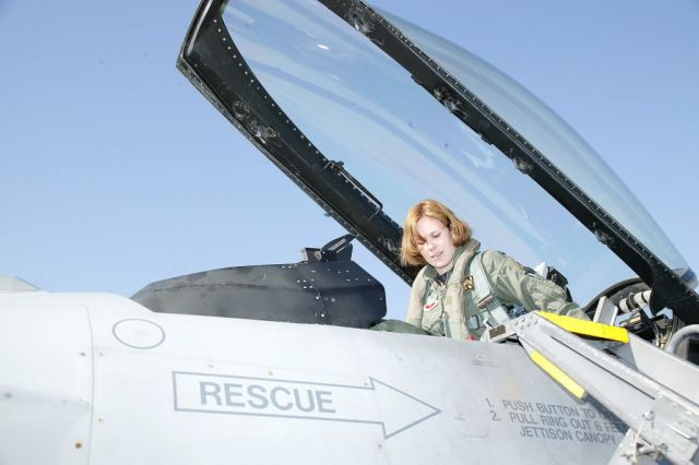 F-16 - Female fighters display 'lethal, effective force' Picture