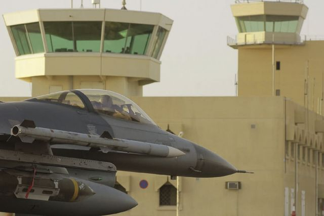 F-16 - Drop 'em or not, pilots help ground troops Picture