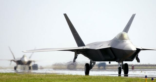 F/A-22 Raptor - Two more Raptors arrive at Langley Picture