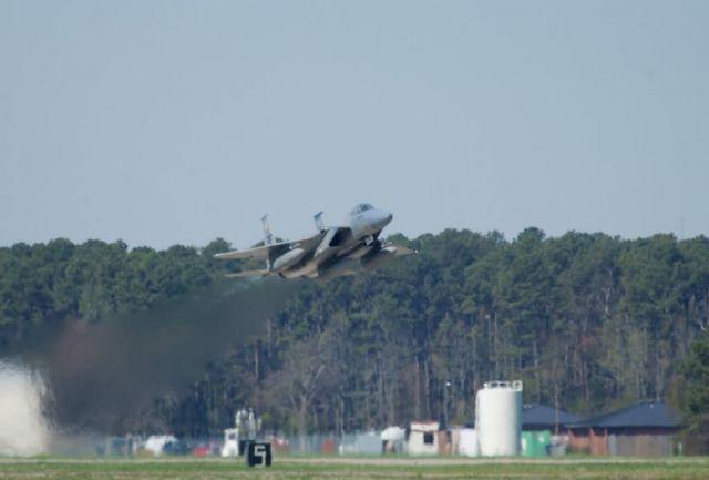 F-15 Eagle - Eagle trail Picture