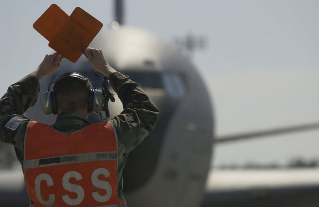 KC-135 - Tanker marshal Picture