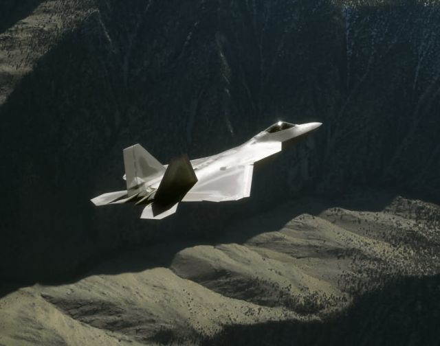 F/A-22 Raptor - Raptor mountains Picture