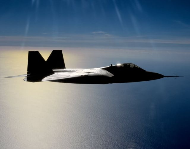 F/A-22 Raptor - Raptor over water Picture