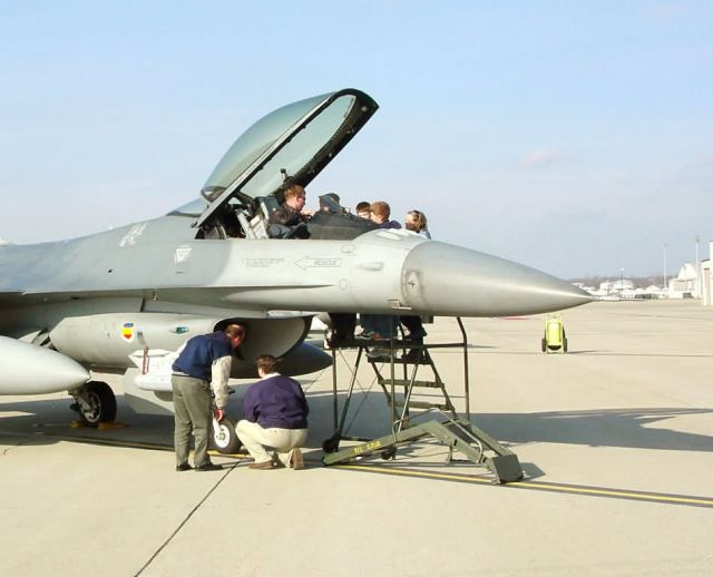 F-16 - Pilots give feedback on F-16 upgrade Picture