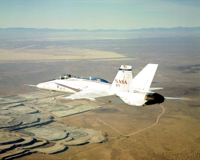 F/A-18 - Wing warping could change shape of future aircraft Picture