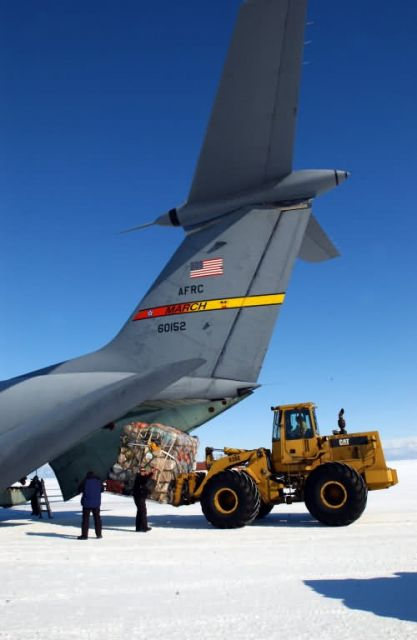 C-141 Starlifter - Frigid chapter closes of C-141 Picture