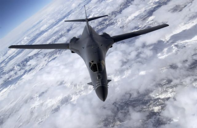 B-1B - Bomber away Picture
