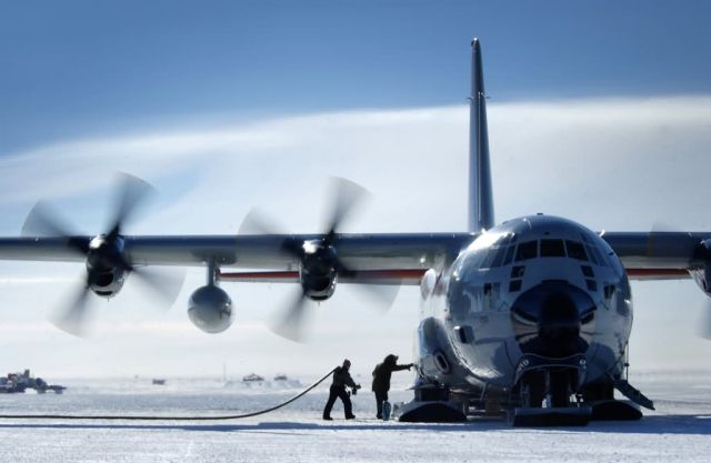 LC-130H Hercules - Operation Deep Freeze sees end of C-141 era Picture