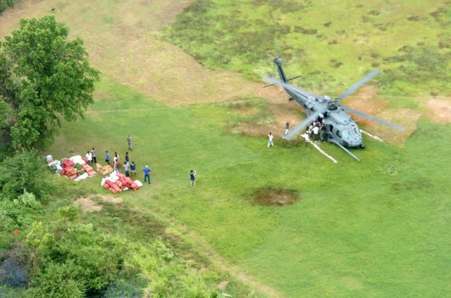 HH-60 Pave Hawk - Air Force continues aid in Sri Lanka Picture