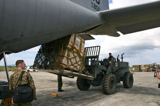 C-130 Hercules - Relief supplies brought to Banda Aceh Picture