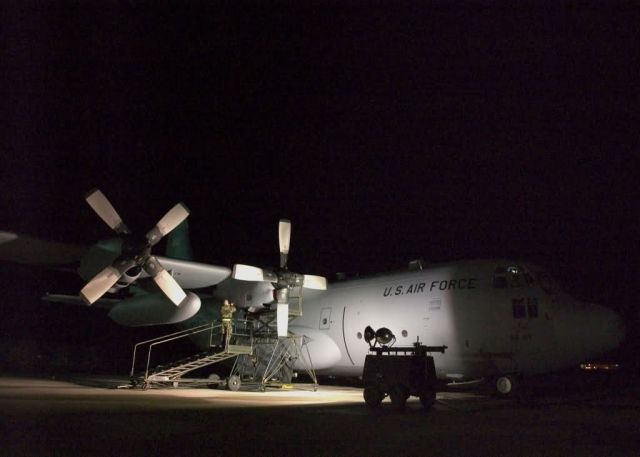 C-130 Hercules - All night long Picture