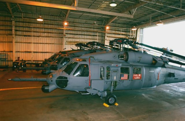 HH-60G - Pave Hawks catch lift to Sri Lanka Picture