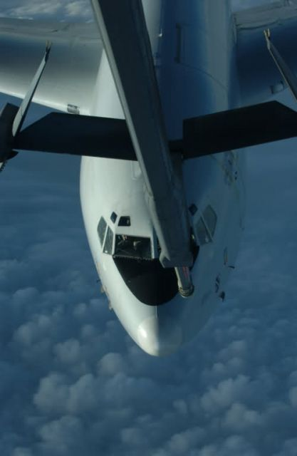 E-8C - Christmas refuel Picture