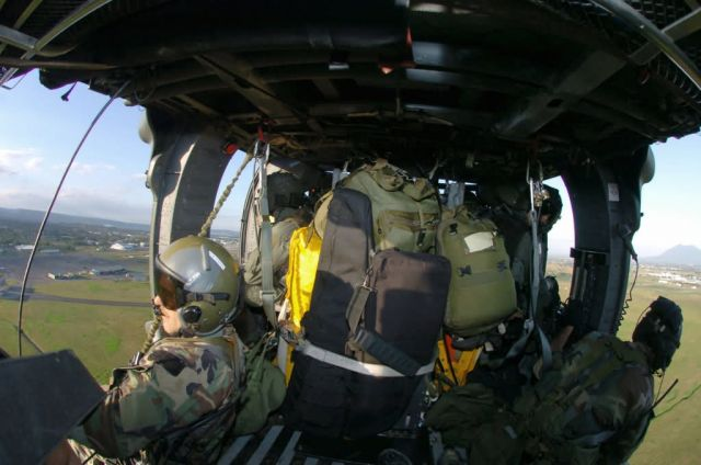 HH-60 Pave Hawk - Kadena Airmen aid Philippine typhoon victims Picture