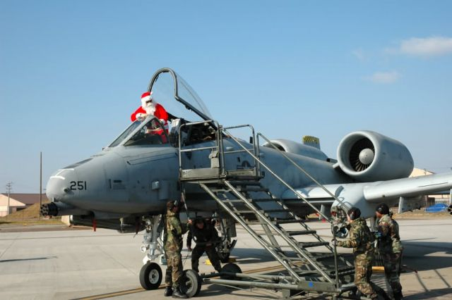 A-10 Thunderbolt II - Santa jets into Osan Picture