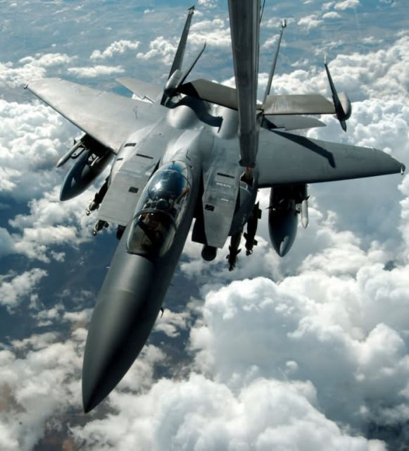 KC-10 - Fill'er up Picture