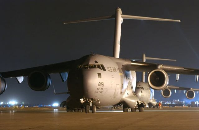 C-17 Globemaster III - Twilight turnaround Picture