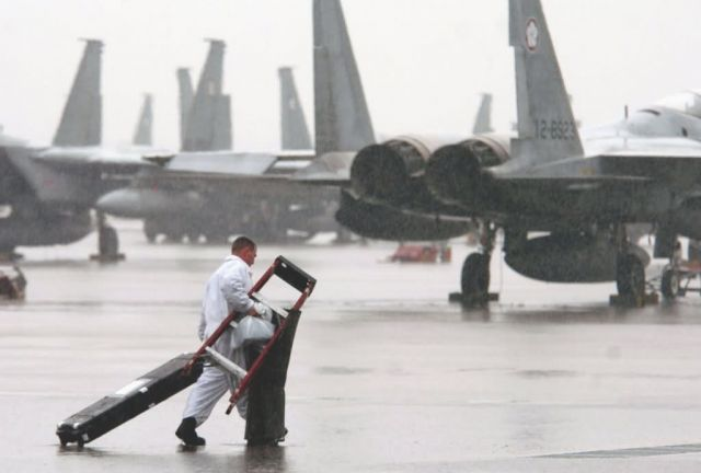 F-15 Eagle - Wet and weary Picture