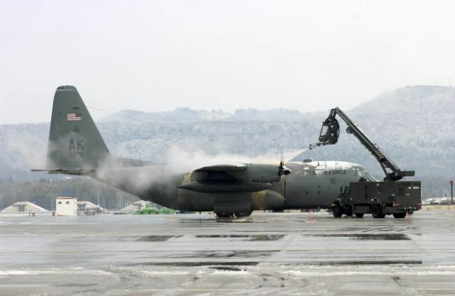 C-130 Hercules - Snow job Picture