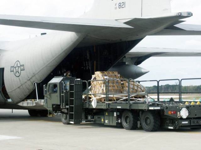 C-130 Hercules - Earthquake relief sent to Niigata Picture