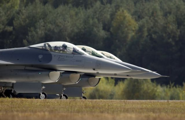 F-16 - Falcons in Poland Picture