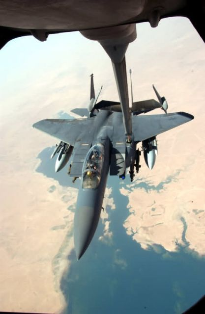 KC-10 - Fill er' up please Picture