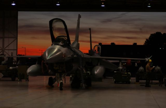 F-16C Fighting Falcon - Working the night shift Picture