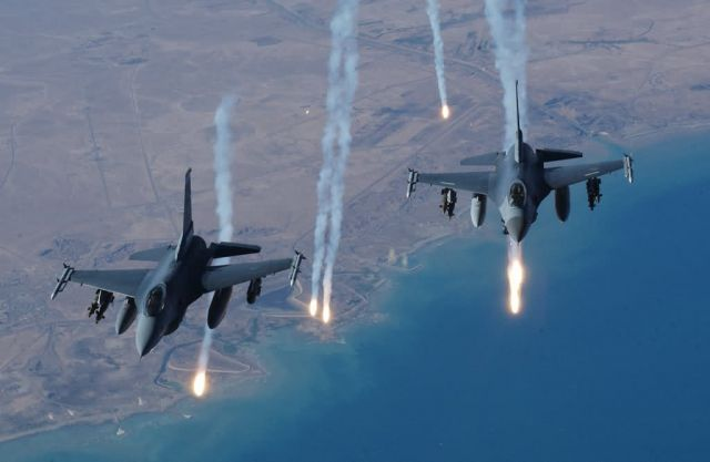 F-16 Fighting Falcons - Air power! Picture