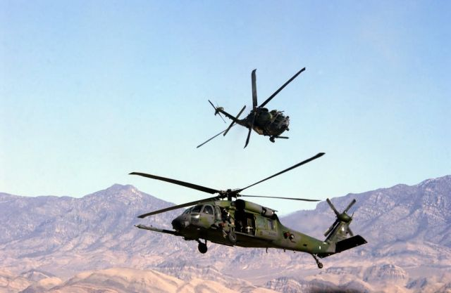 HH-60 Pave Hawk - Hey folks, watch this! Picture