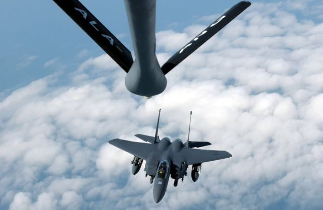 F-15E Strike Eagle - Moving in for fueling Picture