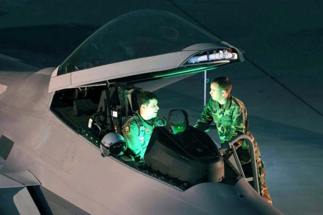 F/A-22 - Preflight chat Picture