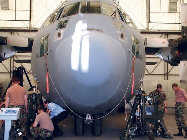 C-130 Hercules - Testing universal aircraft jacks Picture