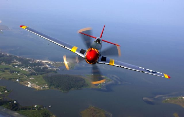 P-51 Mustang - Air power demonstration Picture