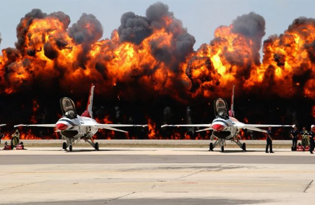 F-16 - Wall of Flames Picture