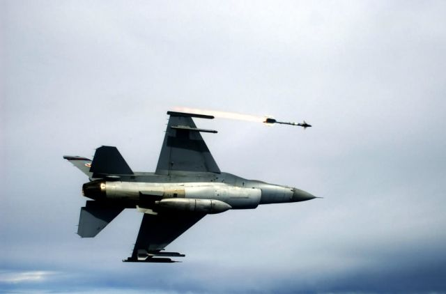 AIM-9 - Ready, aim... Picture