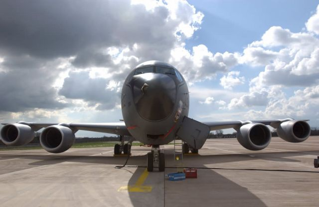 KC-135 Stratotanker - Nose for electricity Picture